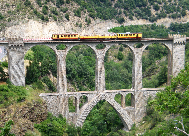 train-jaune2